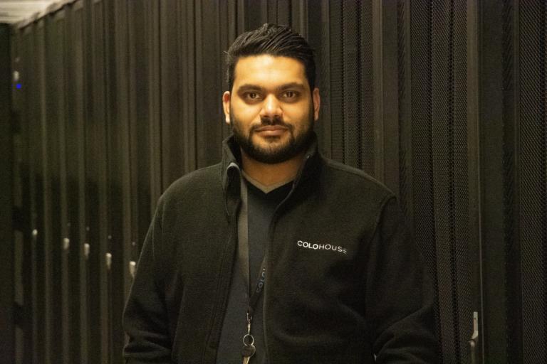 """Shivan Chandarsing """"Klantgericht werken en het datacenter 'gezond' houden geeft mij echt voldoening"""""""